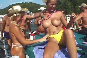lezdom mistress loves pussy slapping